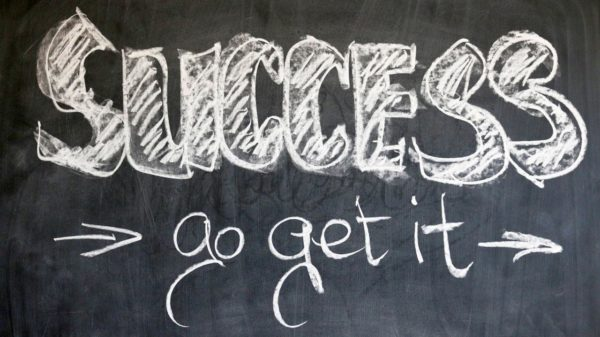 Erfolgreich E-Commerce betreiben mit digitalem Online Marketing und digitalen Geschäftsmodellen 1